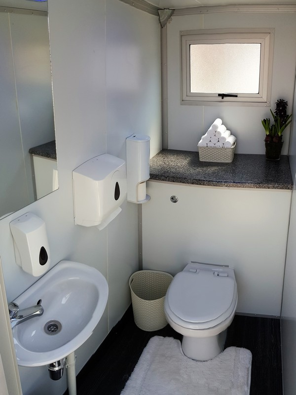 portable toilet rental in dubai and UAE